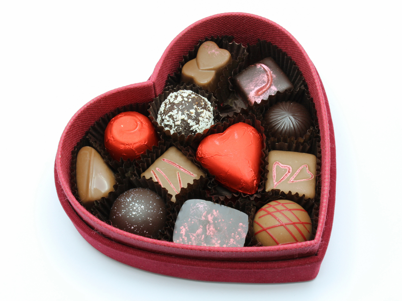 Boite de chocolats avec forme de coeur