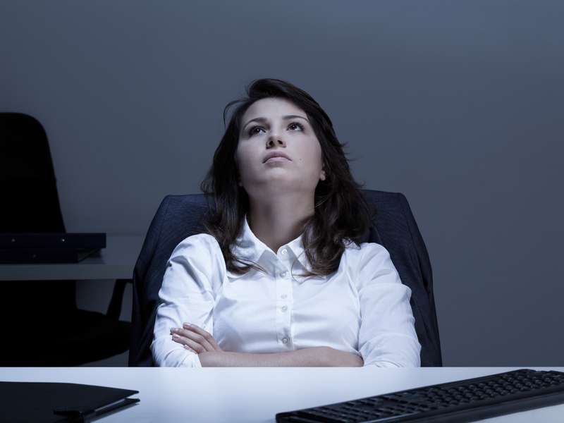 Employée déprimée au bureau