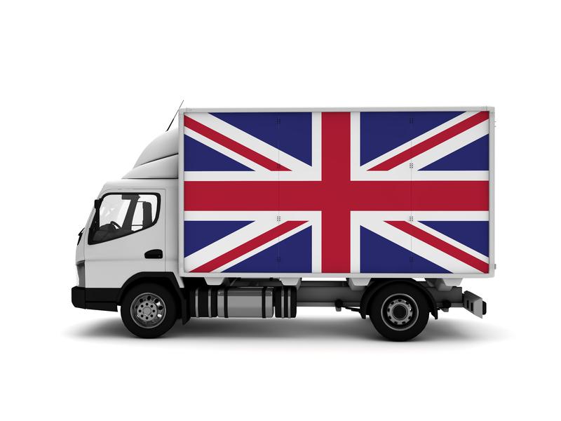 Camion avec drapeau du Royaume-Uni