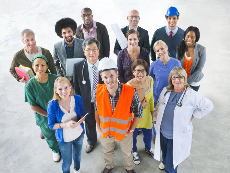 Groupe de personnes occupant divers emplois