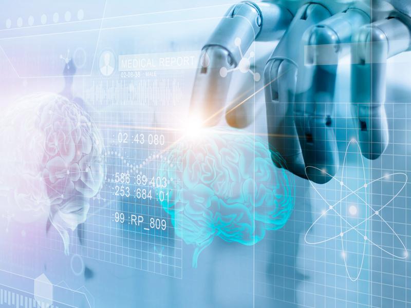 Un robot analyse un cerveau
