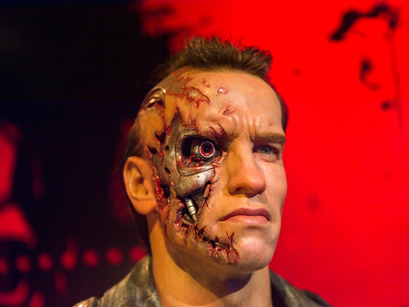 Arnold Schwarzenegger en tant que Terminator au Musée de cire de Hollywood